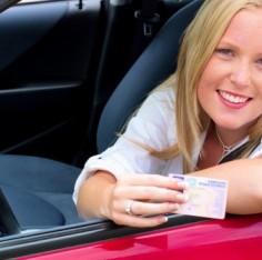 És te milyen suliban szeretnél jogosítványt szerezni? :-)
